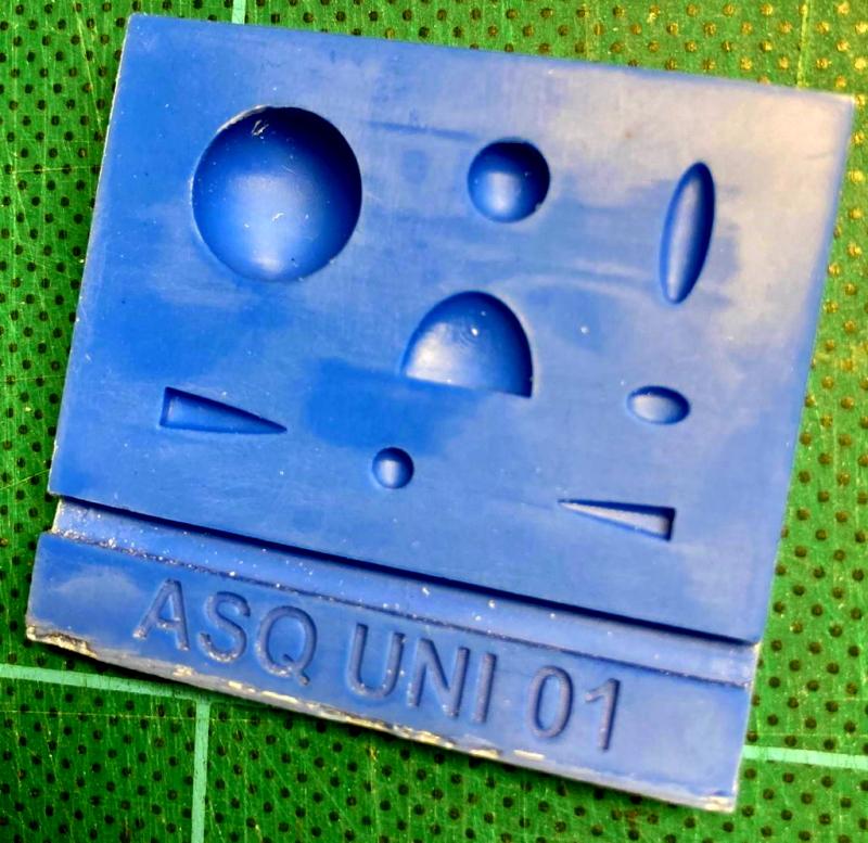 AASQUNI01