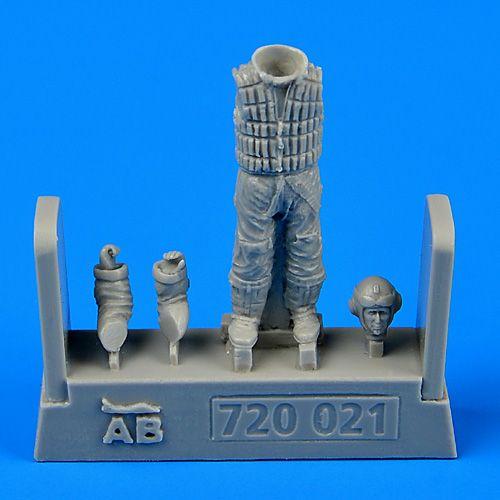 QAB720021