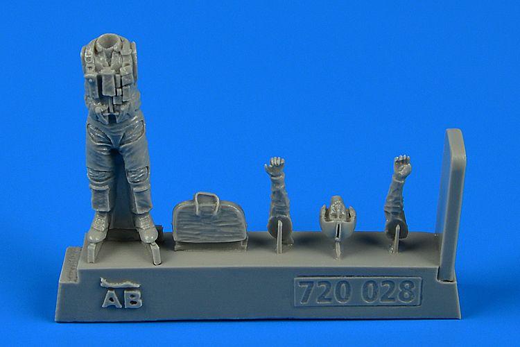 QAB720028